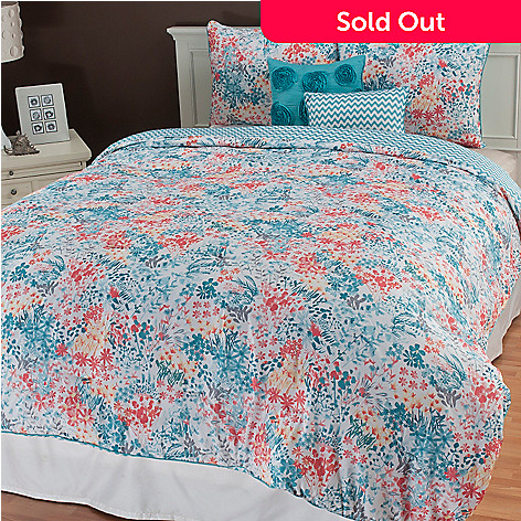 436-673 - North Shore Linens™ ''Kayla'' Five-Piece Reversible Bedding Ensemble