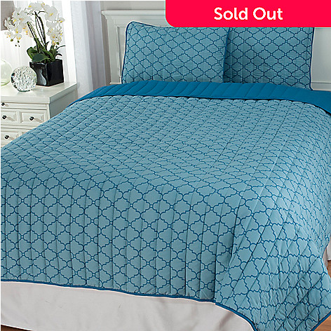 440-786 - Cozelle® Microfiber Lattice Reversible Three-Piece Coverlet Set