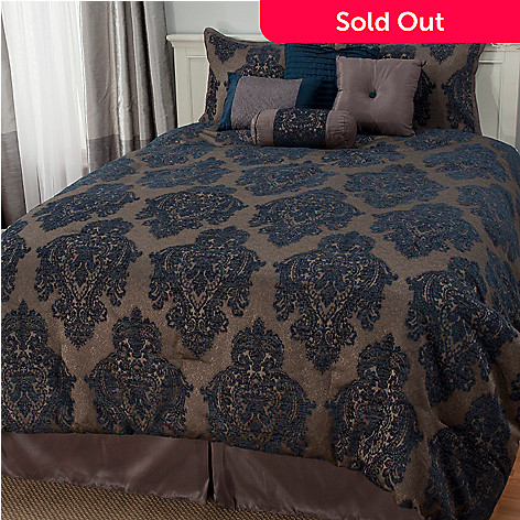 441-487 - North Shore Linens™ Damask Jacquard Eight-Piece Bedding Ensemble