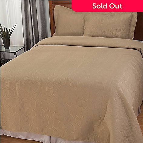 441-869 - North Shore Living™ Scrollwork Three-Piece Bedspread Set