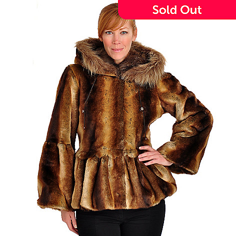 702-051 - Pamela McCoy Hooded Scallop Detail Short Faux Fur Coat