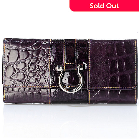 706-247 - Madi Claire Lizard Embossed Leather ''Madison'' Wallet w/ Snap Closure