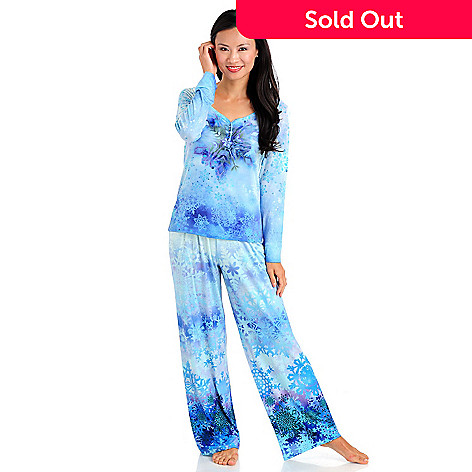709-551 - One World Two-Piece Snowflake Printed Pajama Set