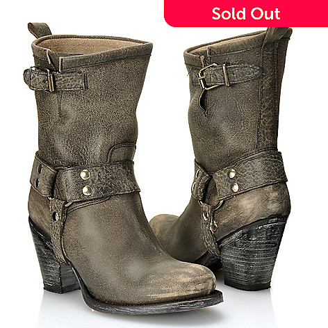 712-593 - Matisse Leather ''Helms'' Buckle Detailed Distressed Boots