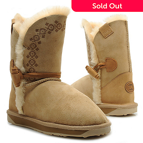 714-527 - EMU Patterned Sheepskin Toggle Detailed Mid-Height Boots