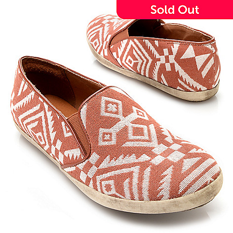 717-252 - Matisse Woven Textile Aztec Design Slip-on Loafers